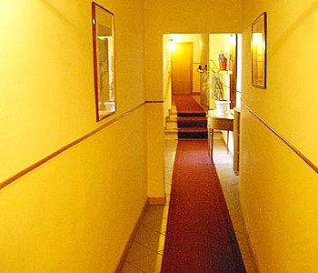 [تصویر: 2010-10-15-Corridor.jpg]